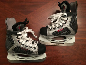 Hockey Skates Excellent New condition-Easton Youth Kids 10