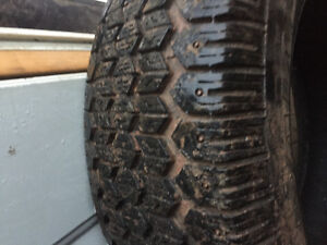 4 winter studded tires 235/75/15