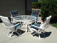 Outdoor Patio Table - 4 chairs