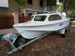 17ft Half-Cabin Boat - 2006 Evinrude E-Tec 60 HP
