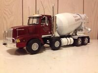 1:24 scale valley concrete cement mixer truck