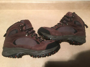 Men's Pennans Hiking/Winter Boots Size 9