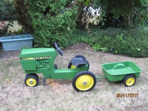 ****Fully Restored 1960's John Deere Pedal Tractor with Trailer*