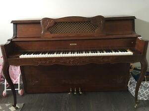 Excellent condition Piano