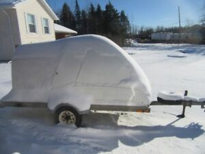 single snowmobile enclosed toy carrier