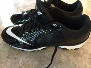 Football Cleats, Mens' Size 9