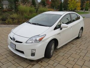 2010 Toyota Prius Hatchback + Set of 4 Winter Tires