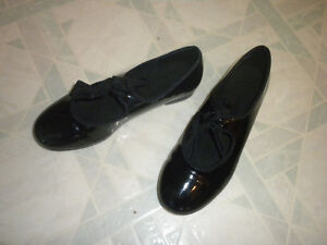 Size 1 tap shoes