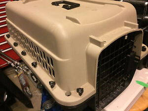 Small-Medium Size Dog/Cat/Pet Kennel/Carrier
