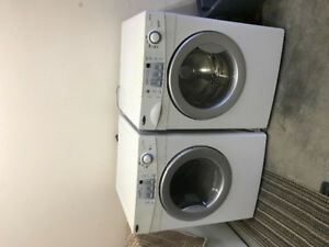 Washer and dryer front loading amana