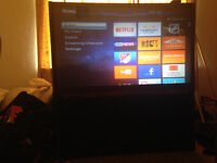 57 inch Toshiba Projection TV + ROKU MediaPlayer & Streaming TV