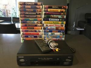 Lecteur VHS et 27 Films pour enfants sur cassettes VHS