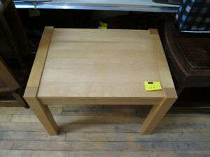 """28"""" x 20"""" Occasional Table For Sale At Nearly New Port Hope"""