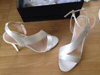 Jasper Conran Ivory heels - size 6