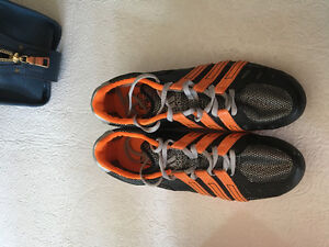 Size 9 spike running shoes