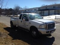 2006 Ford F-350 XLT Dually Pickup Truck