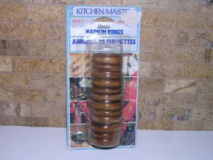 New Unused Set of 4 Wooden Napkin Ring Holders