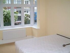 spacious 1 bedroom property available 10th jan
