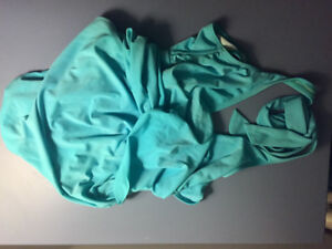 Maternity bathing suit size US6/ Maillot de grossesse taille US6