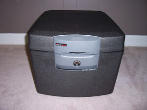 Sentry Safe, F3300, Waterproof, Fireproof Chest, Like Brand New!