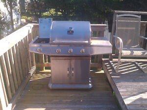 President's Choice Stainless Steel Propane BBQ