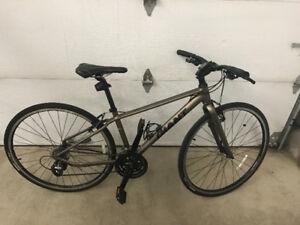 Vélo Giant Escape 2 XS Extra Small pour grandeur 5' à 5'4''