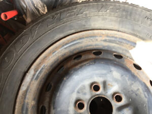 Used Good Year Snow tyres