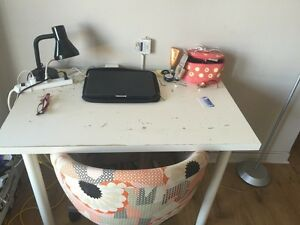 Selling desk+ chair
