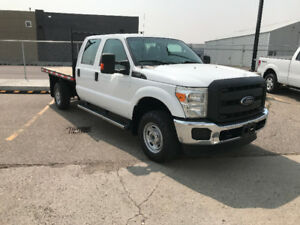 2013 Ford F-350 CREW CAB 4x4 DECK TRUCK ONLY 59,000kms!