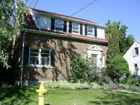 Awesome 3-bed top floor of house - LOCATION - Queen's 1st yrs!