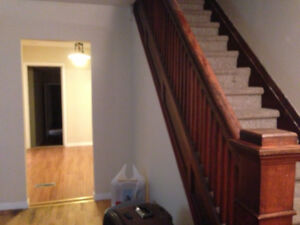 6 bedrooms house for rent beside western university