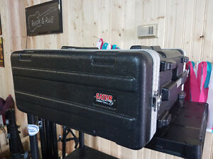 Gator 4U road case