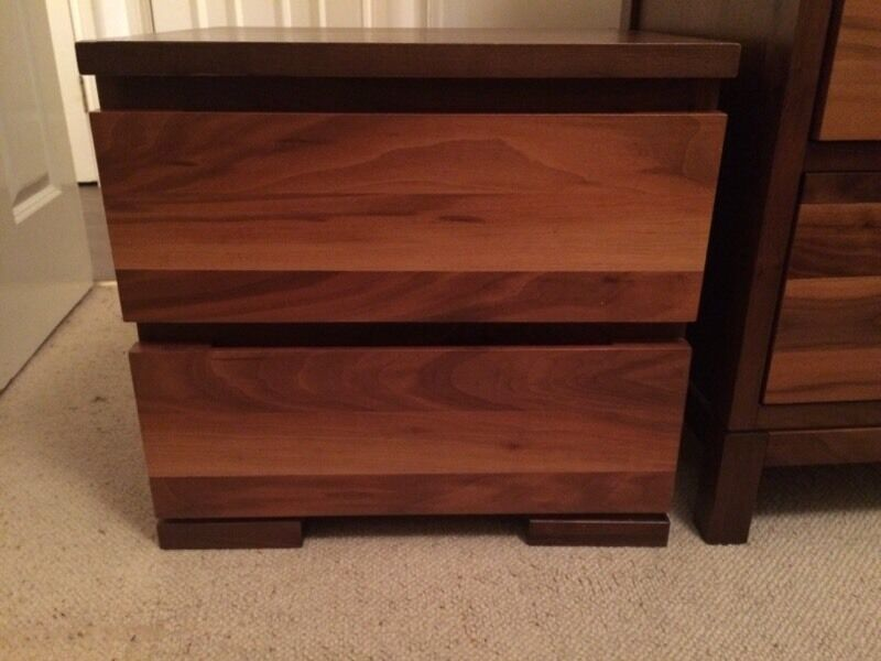 2 door Bedside table, Solid wood, Excellent condition