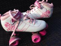 Size 4 Girls roller boota