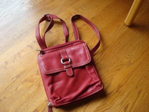 Red Leather cross-body Fossil handbag/purse, never used