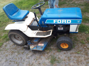 ford yt 16 tractor with mower and snow plow GREAT MACHINE
