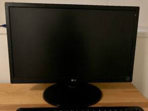 22'' LG LED LCD Monitor and Wireless Keyboard/Mouse