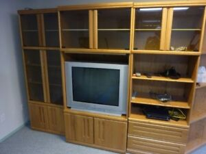 Oak Wall Units | Kijiji in Calgary. - Buy, Sell & Save with Canada\'s ...