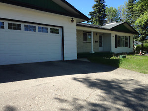 MAIN FLOOR HOUSE -CENTRAL WEST HILL - JULY 1  $1600 & POWER