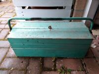 Vintage 21 inch Cantilever Metal Tool Box