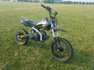 110cc Pitbike! Mint Condition. Runs great!