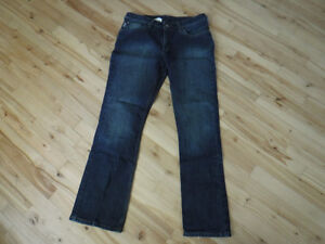 ladies CARHARTT jeans boot cut 32x31 EXCELLENT CONDITION
