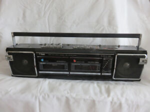 PORTABLE CD,RADIO STEREO TAPE RECORDER