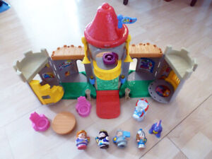 Fisher Price Little People chateau / castle