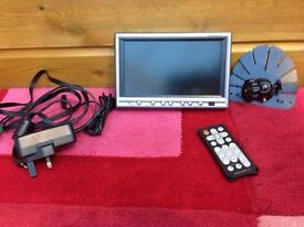 ROADSTAR LCD TV with remote