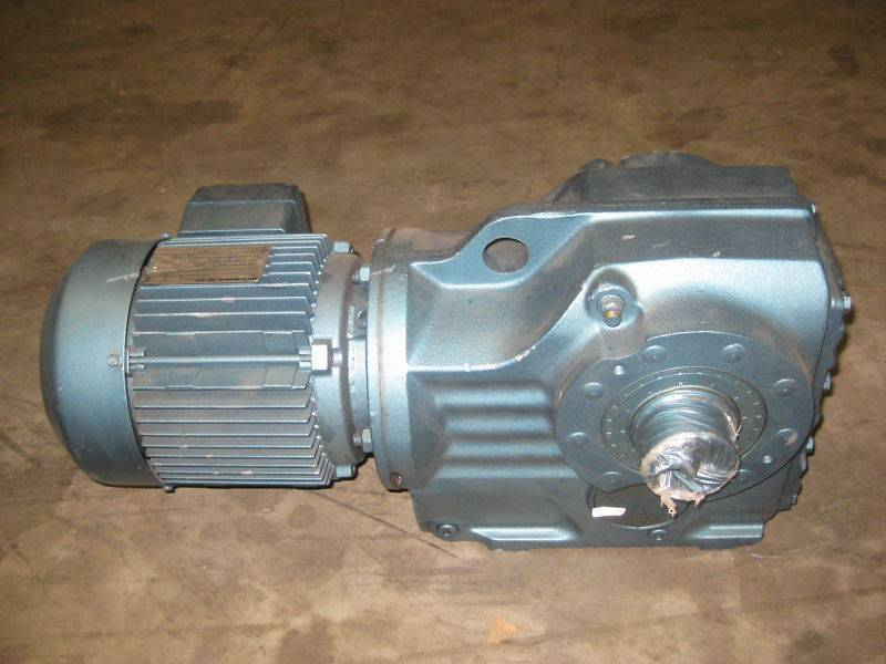 Sew Eurodrive KH77DT90 1.5 HP Ratio:113.56 Gear Reducer