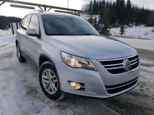 2010 VW TIGUAN AWD WINTER READY