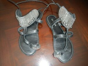 Women's/Youth Sandals (6)