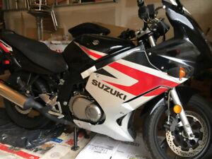 FS: 2005 Suzuki GS500F