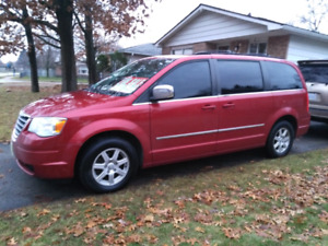 Great 2010 Chrysler Town and Country Touring Minivan